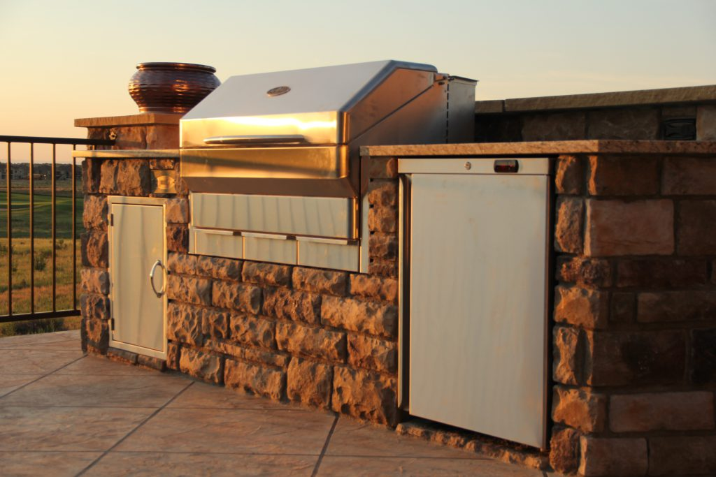 Outdoor Kitchens Amp Our Wood Fire Grill Memphis Grills